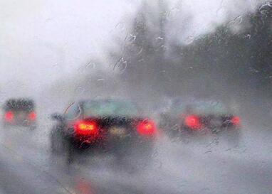 车窗为什么会起雾 冬天车窗应该怎么除雾